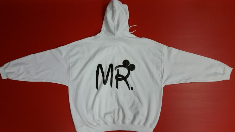 White Pullover Mr Design Ears Married WIth Mickey